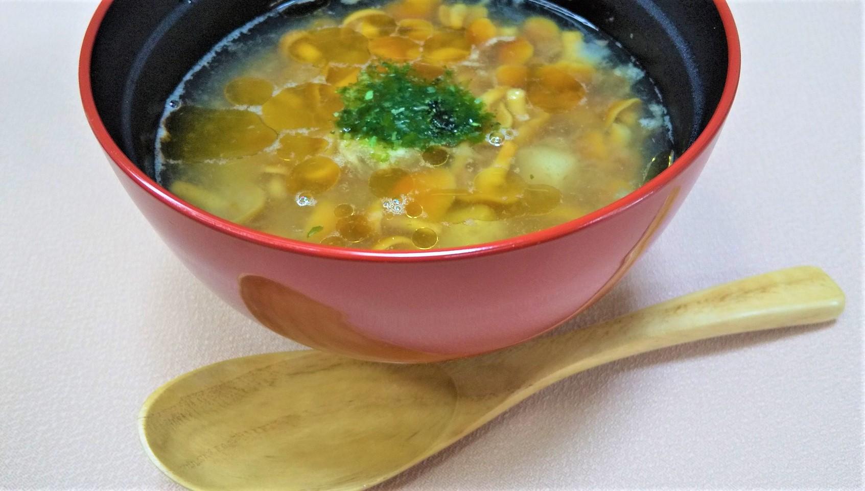 じゃがいもと梅肉のトロトロなめこスープ