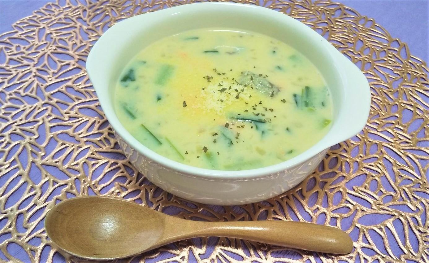 ジャガイモdeとろ~り、鮭のまろやか味噌スープ
