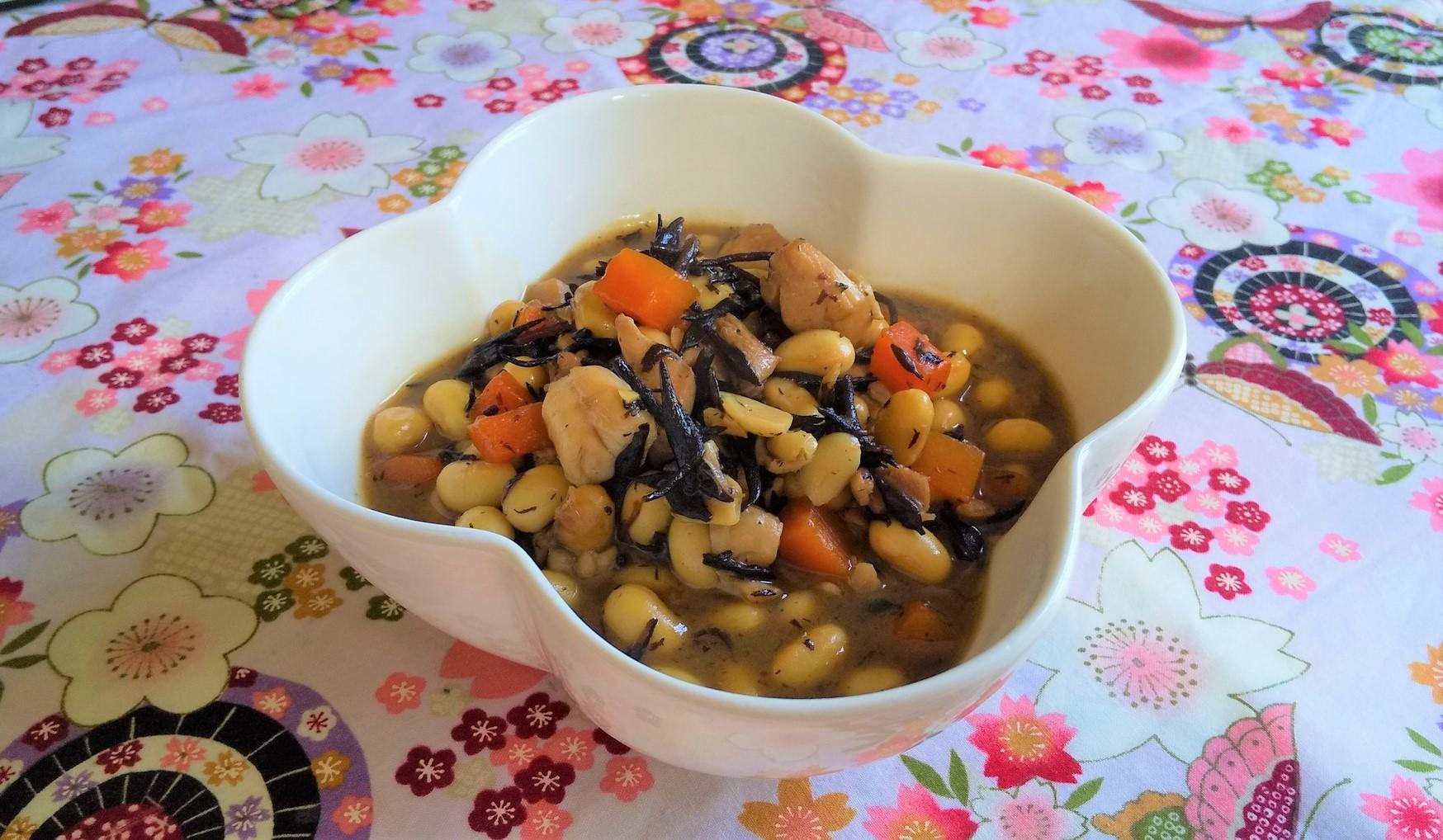 大豆と鶏肉のうま煮